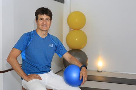 Joan Busqué Pilates, Berreziketa Postural Orokorreko eta Antigimnasia metodoetako profesionala